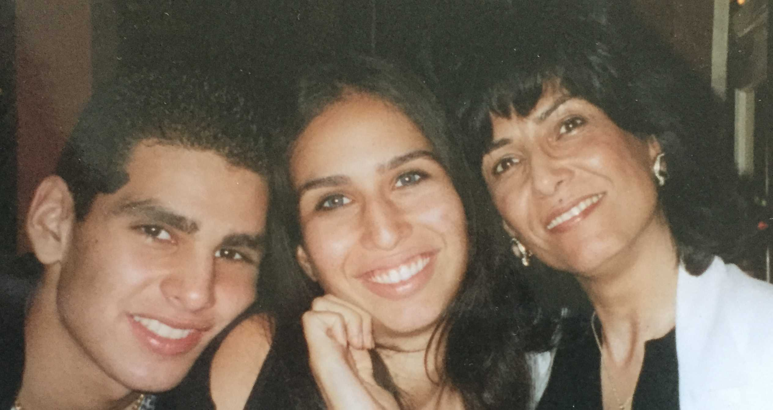 Alex wit his sister Tala and his mom Narjess